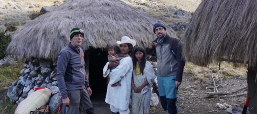 Los Romero, durante su visita a los Kogui