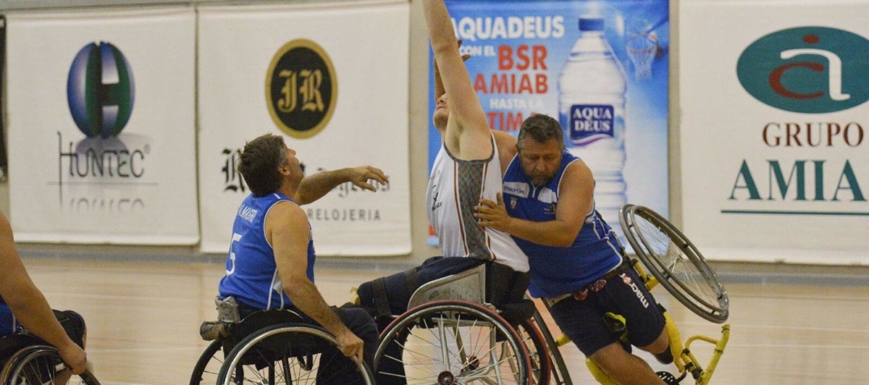 El BSR Amiab juega en su cancha en jornada de la liga de baloncesto en silla de ruedas
