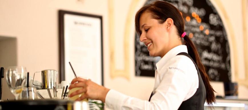 Las mujeres representan el 54 por cien de la participación en el Plan Extraordinario por el Empleo.