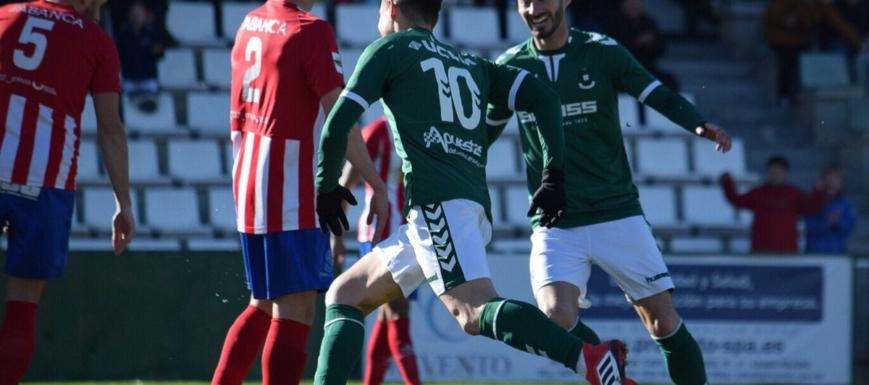 El Toledo celebra el primer gol contra el Cerceda
