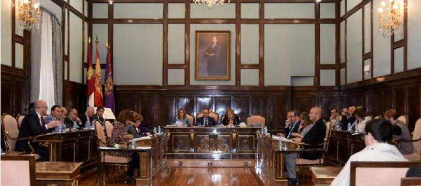 Crisis en Ahora Guadalajara, exhibida en el pleno de la Diputación