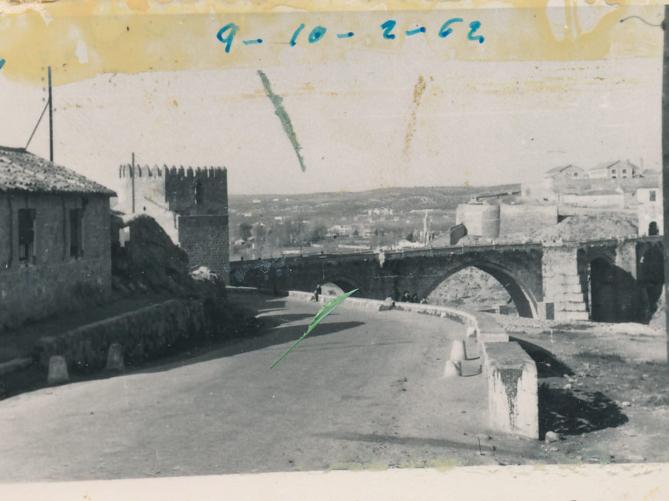 542718c47 Toledo a principios de los años 60 fotografiado por Julián C.T. - ENCLM