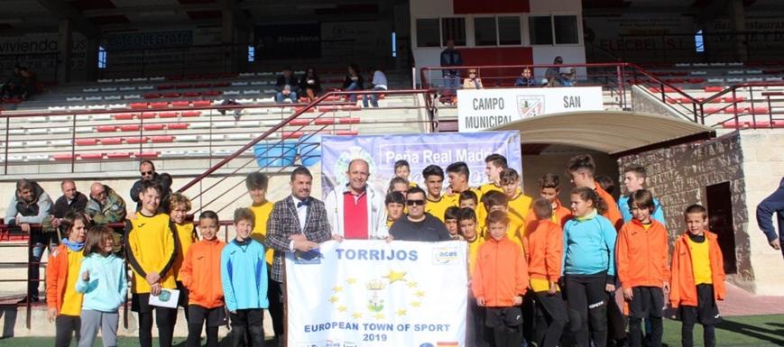 En Torrijos (Toledo) · El VII Campus de fútbol de Navidad de la Peña Real  Madrid Mazacotero ... 2bc82ad37c8ee