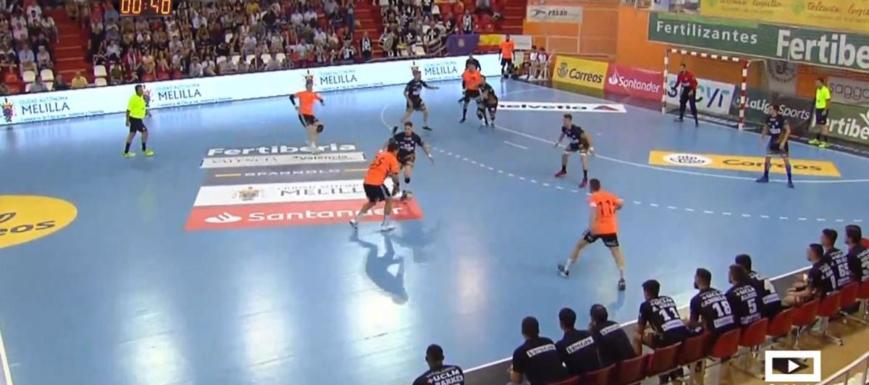 Lance del partido entre el Vestas Alarcos y el Alisauto Torrelavega