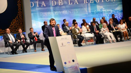 Juan Ramos Amores dedicó la Medalla de Oro a los enfermos de ELA