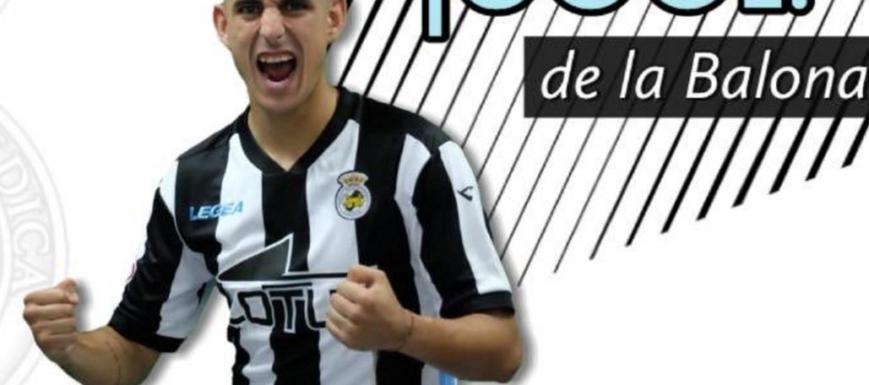 Pleno festejo de un jugador del Linense, que apalizó a la UB Conquense en la Copa Federación