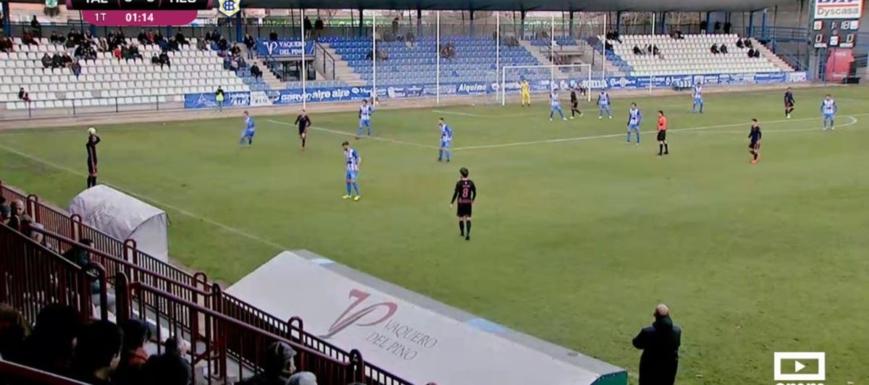 Lance del partido entre el Talavera y el Recreativo de Huelva